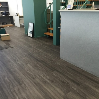 commerical-vinyl-flooring